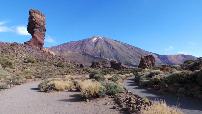 turismo en el Sendero de los Roques de Garcia